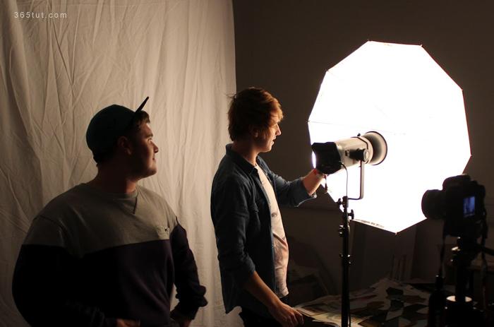 صورة [ دروس تصوير ] الدرس رقم ٧٠ – أنواع الإضاءة – إضاءة الأستوديو